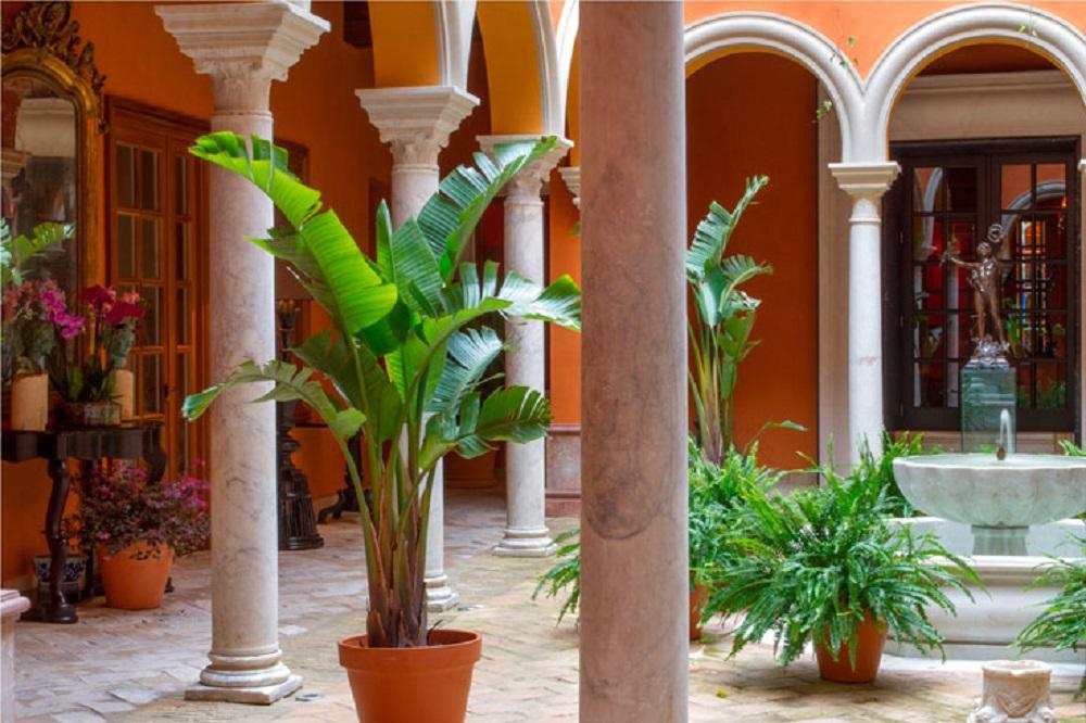 Cour intérieure à l'hotel La Casa del Poeta