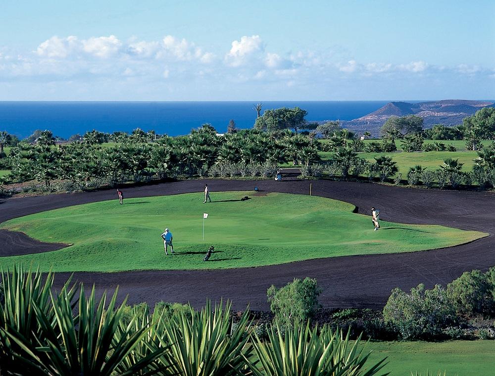 Green du golf del Sur avec vue sur la mer