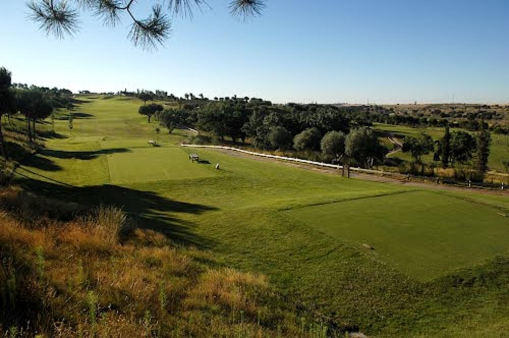 Départs et fairway du golf Santander
