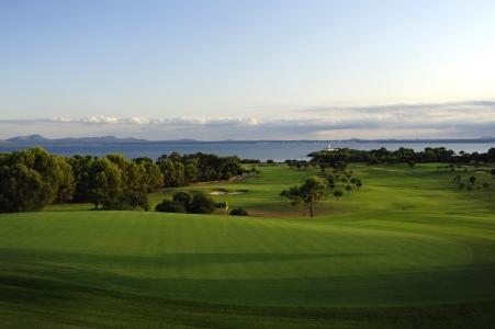 Les fairway du golf d'Alcanada.