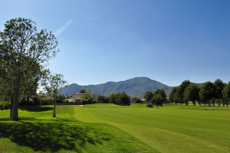 Large fairway du golf Bonmont