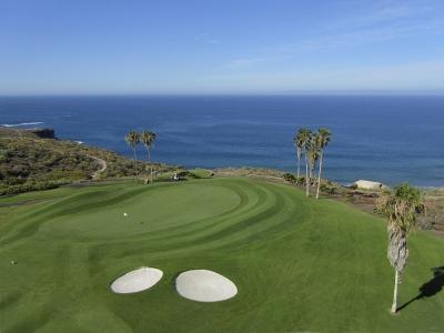 La vue aérienne du green du golf de Costa Adeje.