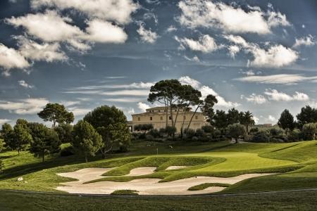 Vue sur le green et le club-house du golf Son Gual Mallorca