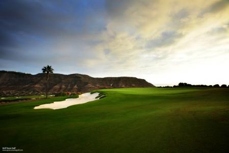 Le couché du soleil du golf d'Anfi Tauro.