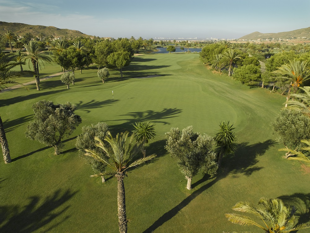 Large green et parlmiers sur le golf La Manga Club