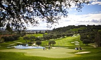 Golfeurs sur le parcours de Neguri en Espagne