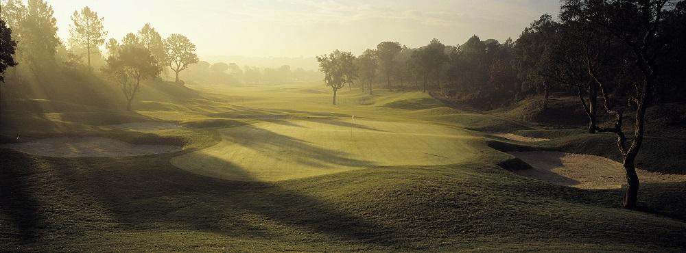 Coucher de soleil sur le PGA Catalunya en Espagne