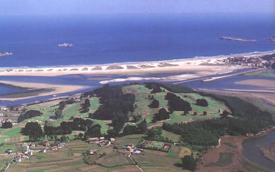 photo aérienne du parcours de Pedrena dans la région de Bilbao en Espagne