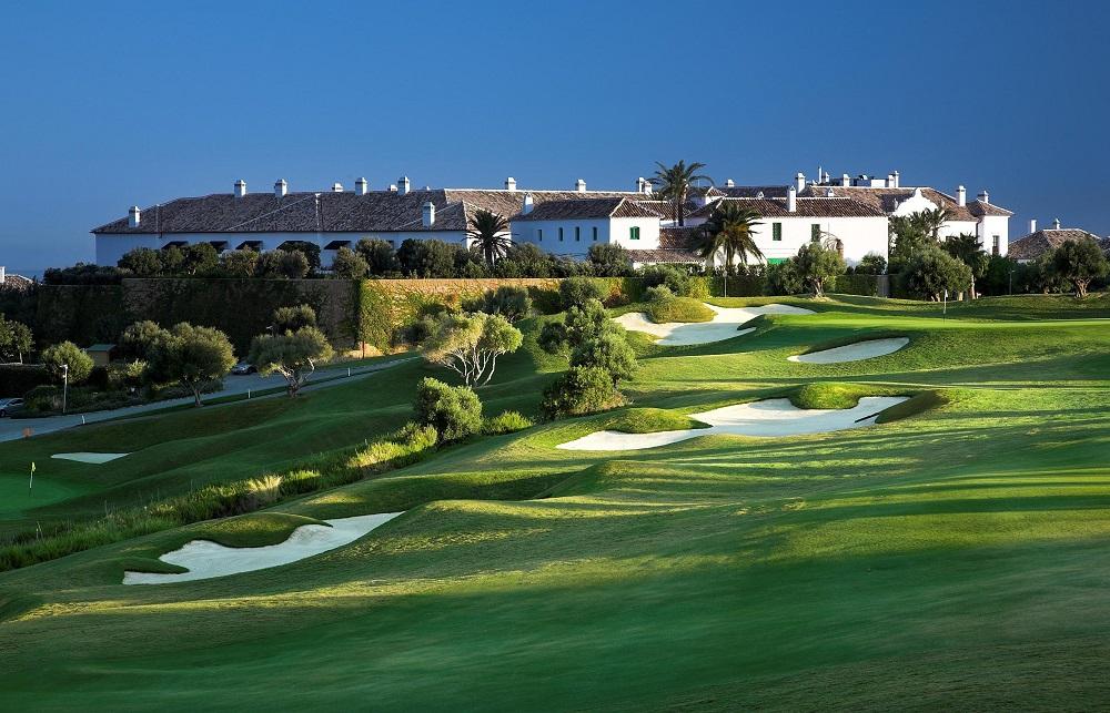Le club-house du golf Finca Cortesin en Espagne